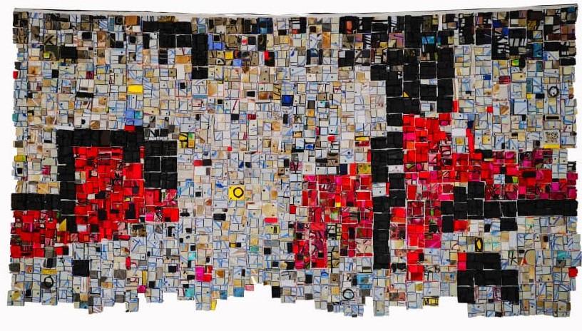 Abow na Tokura, 2019, fundne klip-klappere på ruskind, 143 x 260 cm.